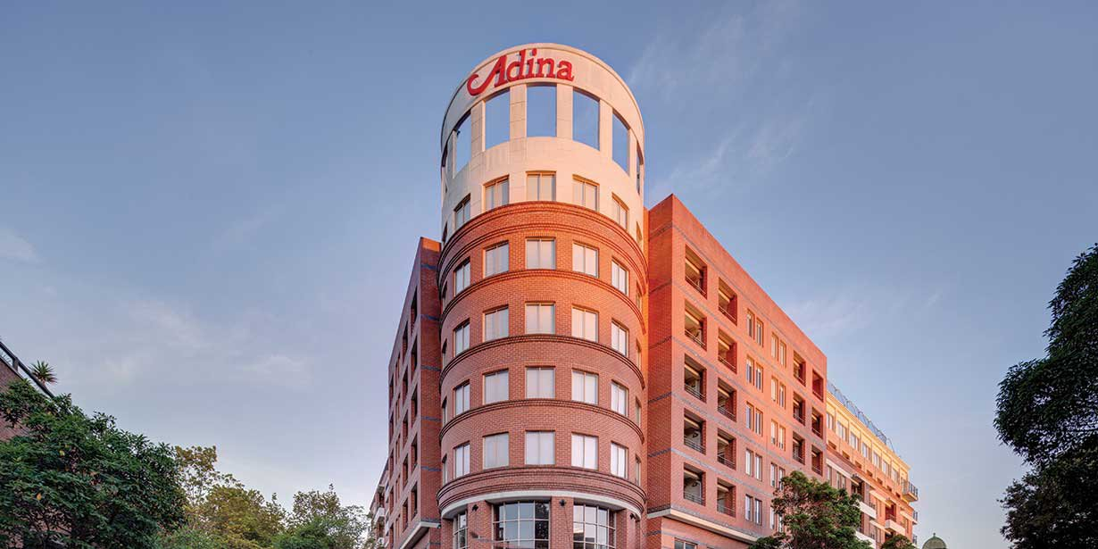 adina-apartment-hotel-crown-street-exterior-front-01-2016.jpg