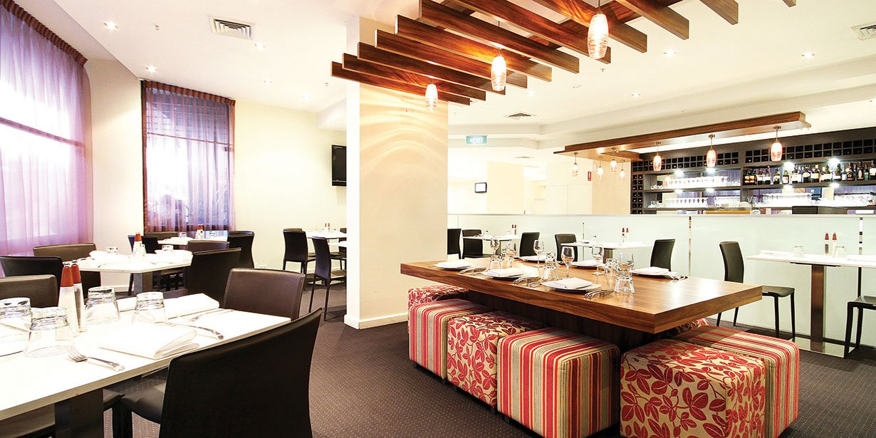 rendezvous-sydney-central-hotel-straits-cafe-&-bar-2-2010.jpg