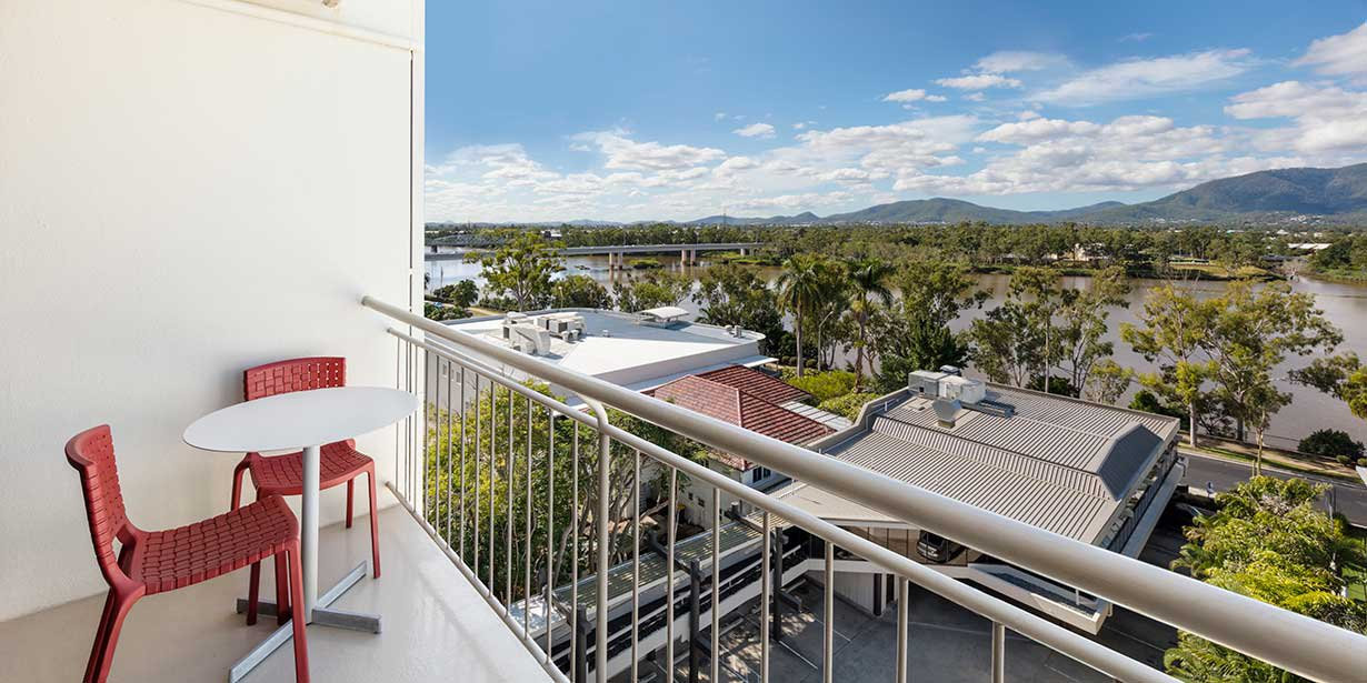 travelodge-hotel-rockhampton-balcony-river-view-01-2016.jpg
